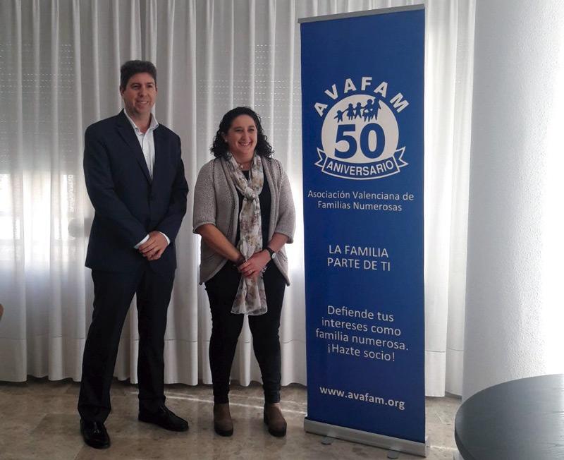 Celia Chavero visita nuestra asociación AVAFAM