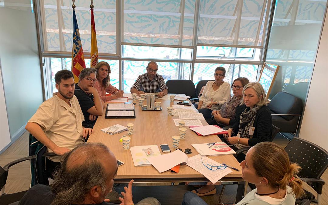 FANUCOVA se reúne junto a sus Asociaciones con la Generalitat para buscar soluciones a los retrasos en los títulos de familia numerosa