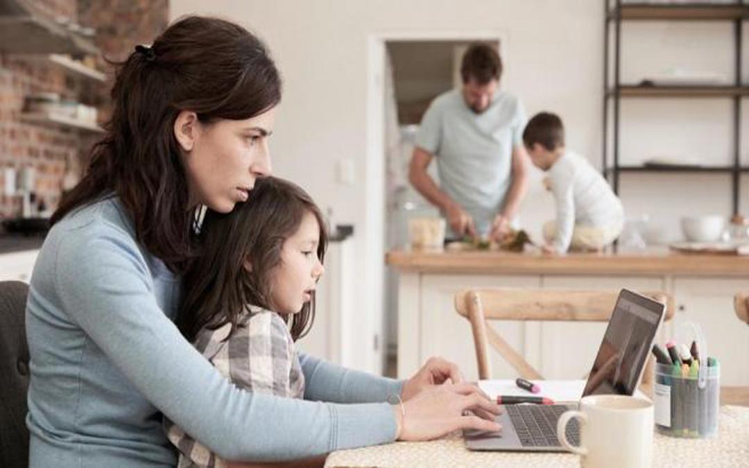 Exigimos un plan de conciliación laboral y familiar en la desescalada para quienes vuelvan al trabajo
