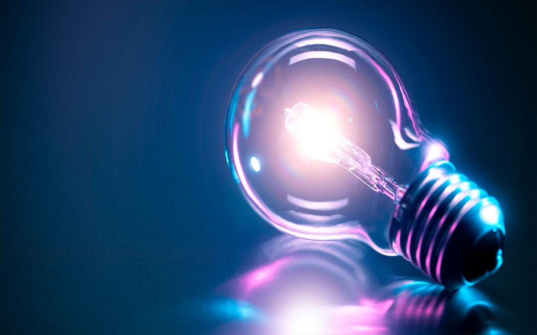 Familias Numerosas defiende el acceso al bono social de la luz para compensar la penalización que sufren en el consumo